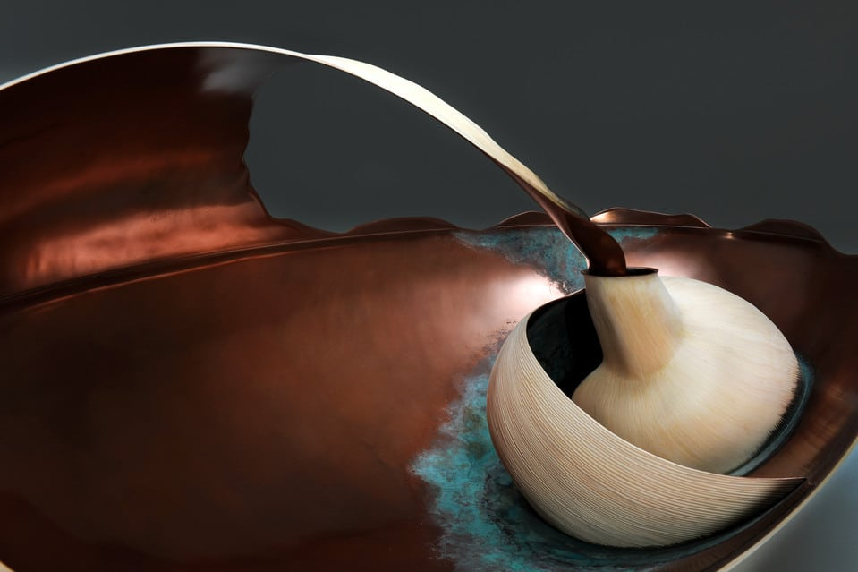 The Mollusque table is inspired by the shells of mollusks.